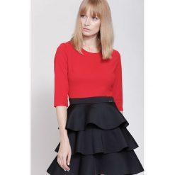 Sukienki: Czerwono-Czarna Sukienka Full of Layers