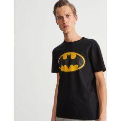 T-shirt z nadrukiem - Czarny. Czarne t-shirty męskie z nadrukiem Reserved, l. Za 59,99 zł.