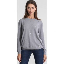 Jasnoszary Sweter Tiny Stones. Szare swetry klasyczne damskie marki other, na jesień, l. Za 59,99 zł.