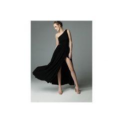 SUKIENKA ERIN WILD - CZARNA. Czarne sukienki asymetryczne marki Madnezz, s, z aplikacjami, z dzianiny, z asymetrycznym kołnierzem. Za 339,00 zł.