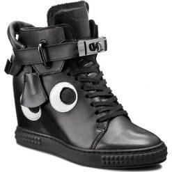 Sneakersy CARINII - B3767/ON E50-000-PSK-B88. Czarne sneakersy damskie Carinii, ze skóry. W wyprzedaży za 299,00 zł.
