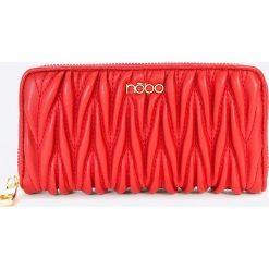Nobo - Portfel. Czerwone portfele damskie marki Nobo, z materiału. W wyprzedaży za 69,90 zł.