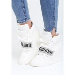 Białe Sneakersy Stop Me Now. Białe sneakersy damskie Born2be, z materiału. Za 119,99 zł.