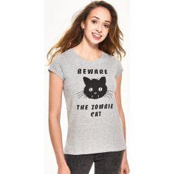 T-shirty damskie: T-shirt z kotem – Jasny szar