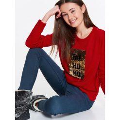 Swetry klasyczne damskie: SWETER DAMSKI Z CEKINOWĄ APLIKACJĄ Z PRZODU