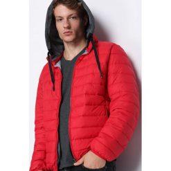Czerwona Kurtka Unavailable. Czarne kurtki męskie pikowane marki Born2be, l, z aplikacjami, z dresówki. Za 129,99 zł.