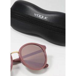VOGUE Eyewear Okulary przeciwsłoneczne pink/dark brown. Czerwone okulary przeciwsłoneczne damskie aviatory VOGUE Eyewear. Za 459,00 zł.