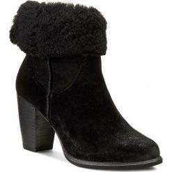 Botki UGG - W Charlee 1008765 Blk. Czarne buty zimowe damskie Ugg, ze skóry, eleganckie, na obcasie, na zamek. W wyprzedaży za 729,00 zł.