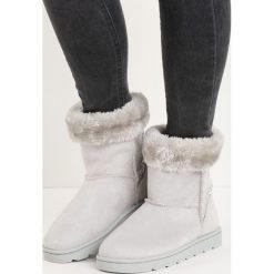 Jasnoszare Śniegowce Vanity Fair. Szare buty zimowe damskie Born2be. Za 79,99 zł.