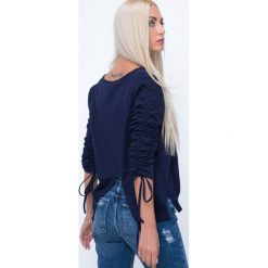 Bluzy rozpinane damskie: Bluza z kopertowym tyłem granatowa 1554