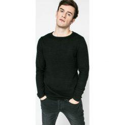 Dissident - Sweter. Czarne swetry klasyczne męskie marki Dissident, m, z bawełny, z okrągłym kołnierzem. W wyprzedaży za 34,90 zł.