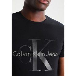 Calvin Klein Jeans TONTRO CN TEE  Tshirt z nadrukiem ck black. Czarne koszulki polo marki Calvin Klein Jeans, z bawełny. Za 219,00 zł.