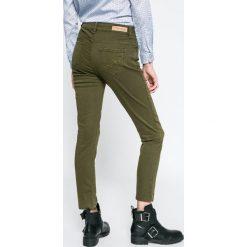 U.S. Polo - Jeansy. Niebieskie jeansy damskie rurki marki Sinsay, z podwyższonym stanem. W wyprzedaży za 159,90 zł.