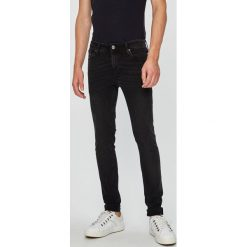 Jack & Jones - Jeansy Liam. Szare jeansy męskie regular Jack & Jones, z bawełny. Za 219,90 zł.