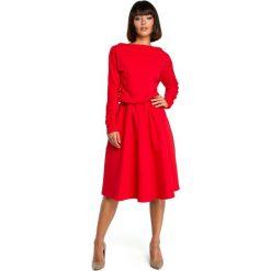 Czerwona Rozkloszowana Dzianinowa Sukienka z Gumką w Tali. Czerwone sukienki balowe Molly.pl, do pracy, l, z dzianiny, z klasycznym kołnierzykiem, oversize. Za 155,90 zł.