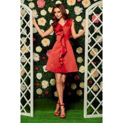 Sukienki balowe: Oszałamiająca sukienka z falbaną czerwony