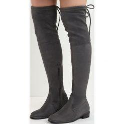 Ciemnoszare Kozaki Lady In Grey. Szare buty zimowe damskie Born2be, z materiału, z okrągłym noskiem, przed kolano, na wysokim obcasie, na płaskiej podeszwie. Za 129,99 zł.