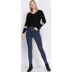 Niebieskie Jeansy Beautiful Oblivion. Niebieskie jeansy damskie Born2be, z jeansu. Za 54,99 zł.