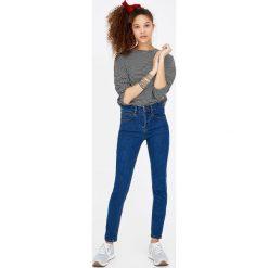 Jeansy push up. Niebieskie jeansy damskie Pull&Bear. Za 79,90 zł.