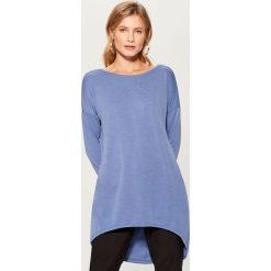 Koszulka z asymetrycznym dołem - Niebieski. Szare t-shirty damskie marki Mohito, l, z asymetrycznym kołnierzem. Za 89,99 zł.