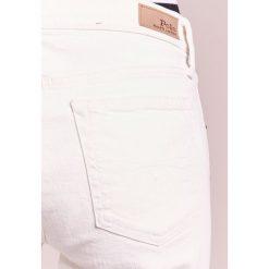 Polo Ralph Lauren WAVERLY Jeansy Straight Leg chalk white. Białe topy sportowe damskie Polo Ralph Lauren, s, z bawełny, polo. W wyprzedaży za 575,20 zł.