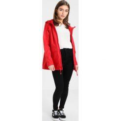 Kurtki i płaszcze damskie: New Look Petite MATTE Kurtka przeciwdeszczowa bright red