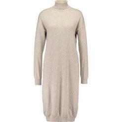 Sukienki dzianinowe: Noisy May Tall NMMOMO ROLL NECK Sukienka dzianinowa cream tan