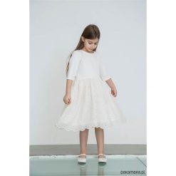 BLOSSOM Sukienka z koronką i kokardą. Szare sukienki dziewczęce z falbanami Pakamera, w koronkowe wzory, z koronki, eleganckie. Za 249,00 zł.