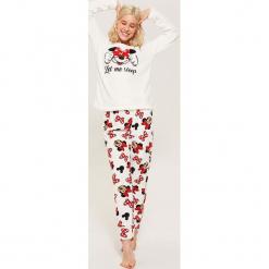 Dwuczęściowa piżama Minnie Mouse - Biały. Białe piżamy damskie House, l, z motywem z bajki. W wyprzedaży za 49,99 zł.