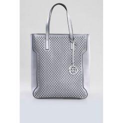 Shopper bag damskie: Torba z ażurowym panelem