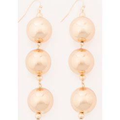 Kolczyki damskie: NA-KD Accessories Symetryczne kolczyki w kształcie potrójnej kuli – Gold