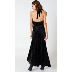 Sukienki: NA-KD Party Aksamitna sukienka z głębokim dekoltem V – Black