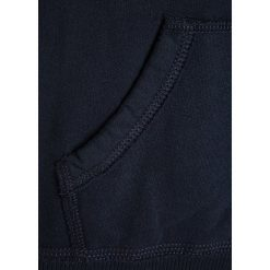 Abercrombie & Fitch SHINE POPOVER Bluza z kapturem navy. Niebieskie bluzy dziewczęce rozpinane Abercrombie & Fitch, z bawełny, z kapturem. W wyprzedaży za 159,20 zł.