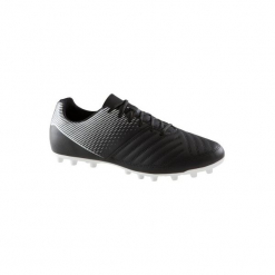 Buty do piłki nożnej Agility 100 FG korki. Czarne buty skate męskie KIPSTA, z poliesteru, do piłki nożnej. Za 59,99 zł.
