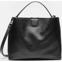 Czarna torebka damska. Czarne torebki klasyczne damskie marki Kazar, w paski, ze skóry, zamszowe. Za 799,00 zł.