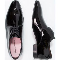 Floris van Bommel Eleganckie buty black. Czarne buty wizytowe męskie Floris van Bommel, z materiału, na sznurówki. Za 1009,00 zł.