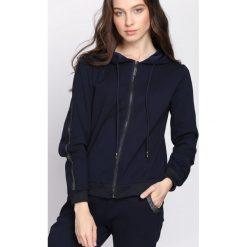 Granatowa Bluza Practical Chic. Niebieskie bluzy rozpinane damskie Born2be, l. Za 74,99 zł.