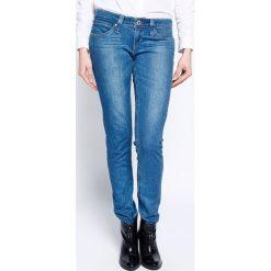 Levi's - Jeansy Revel Low Skinny Stranger. Brązowe jeansy damskie rurki marki Levi's®, z obniżonym stanem. W wyprzedaży za 269,90 zł.