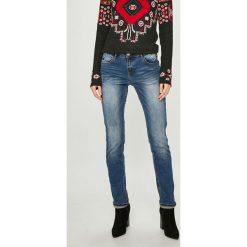 Desigual - Jeansy. Szare jeansy damskie rurki marki Desigual, l, z tkaniny, casualowe, z długim rękawem. W wyprzedaży za 279,90 zł.