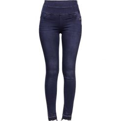 Patrizia Pepe Jeans Skinny Fit blue. Niebieskie jeansy damskie relaxed fit marki Patrizia Pepe, z bawełny. W wyprzedaży za 512,85 zł.