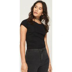 Bawełniany t-shirt basic - Czarny. Czarne t-shirty damskie Sinsay, s, z bawełny. Za 14,99 zł.