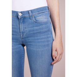 7 for all mankind Jeansy Slim Fit illusion luxe riviera. Niebieskie jeansy damskie relaxed fit 7 for all mankind, z bawełny. W wyprzedaży za 510,95 zł.
