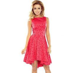 Kali Wyjątkowa sukienka z dłuższym tyłem - żakard kółeczka malinowa. Czerwone sukienki na komunię numoco, s, z żakardem, rozkloszowane. Za 199,00 zł.