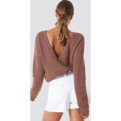NA-KD Sweter z dzianiny z dekoltem V - Pink. Różowe swetry klasyczne damskie NA-KD, z dzianiny. Za 121,95 zł.