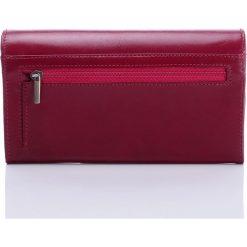 Ekskluzywny portfel damski Paolo Peruzzi - kopertówka ze skóry licowej. Białe puzderka marki Kazar, ze skóry, eleganckie, na ramię, duże. Za 159,90 zł.