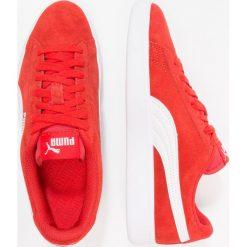Puma SMASH Tenisówki i Trampki high risk red/white. Czerwone trampki dziewczęce marki Puma, z materiału, na sznurówki. Za 189,00 zł.