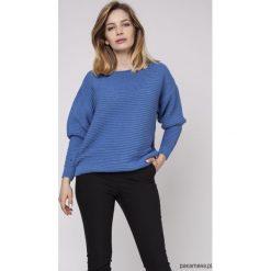 Sweter z fakturą, SWE160 niebieski MKM. Niebieskie swetry klasyczne damskie Pakamera, w prążki. Za 118,00 zł.