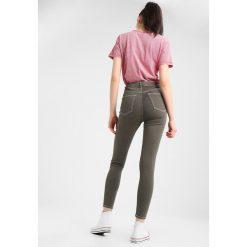 Topshop JAMIE Jeans Skinny Fit khaki. Brązowe jeansy damskie marki Topshop, z bawełny. Za 229,00 zł.