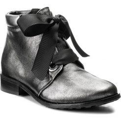 Botki EKSBUT - 77-4683-E04-1G Czarny/Srebro. Czarne buty zimowe damskie Eksbut, ze skóry, na obcasie. W wyprzedaży za 259,00 zł.