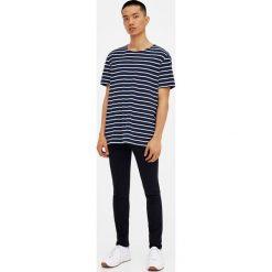 Czarne jeansy skinny fit. Czarne jeansy męskie relaxed fit marki Pull&Bear, m. Za 139,00 zł.